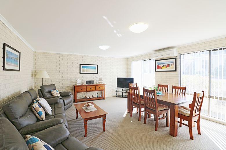 Capri Apartments Living Area