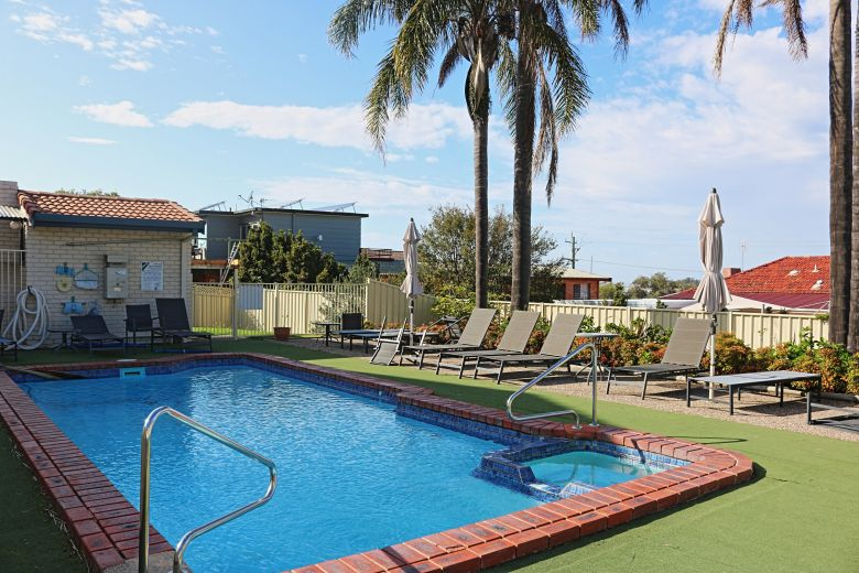 Capri Apartments Pool
