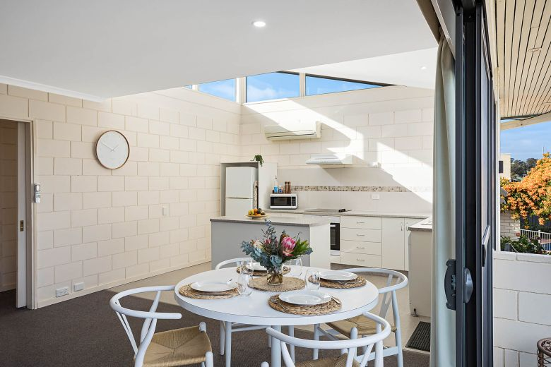 Penguin Mews Kitchen and Dining