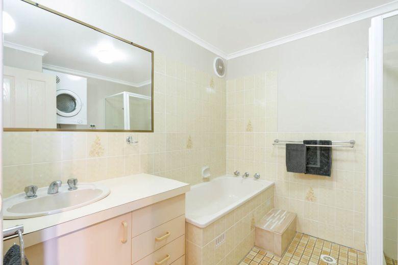 Panoramic Townhouses Standard Bathroom